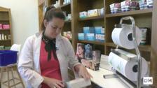 Así funciona la farmacia rural de las Rozas de Valdearroyo, una de las 18 que han abierto en Cantabria