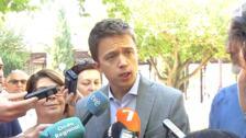 Errejón aboga en Murcia por regular todos los usos del Mar Menor