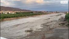 Cauce abundante en las ramblas en Viator y el río Andarax