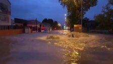 La carretera de Málaga, completamente inundada tras la tormenta