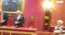 Nuevo lío en el Ayuntamiento de Granada por el Pregón del Mayor