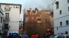 Desalojados 33 clientes de un hotel en Montanejos al registrarse un incendio en la chimenea del bar