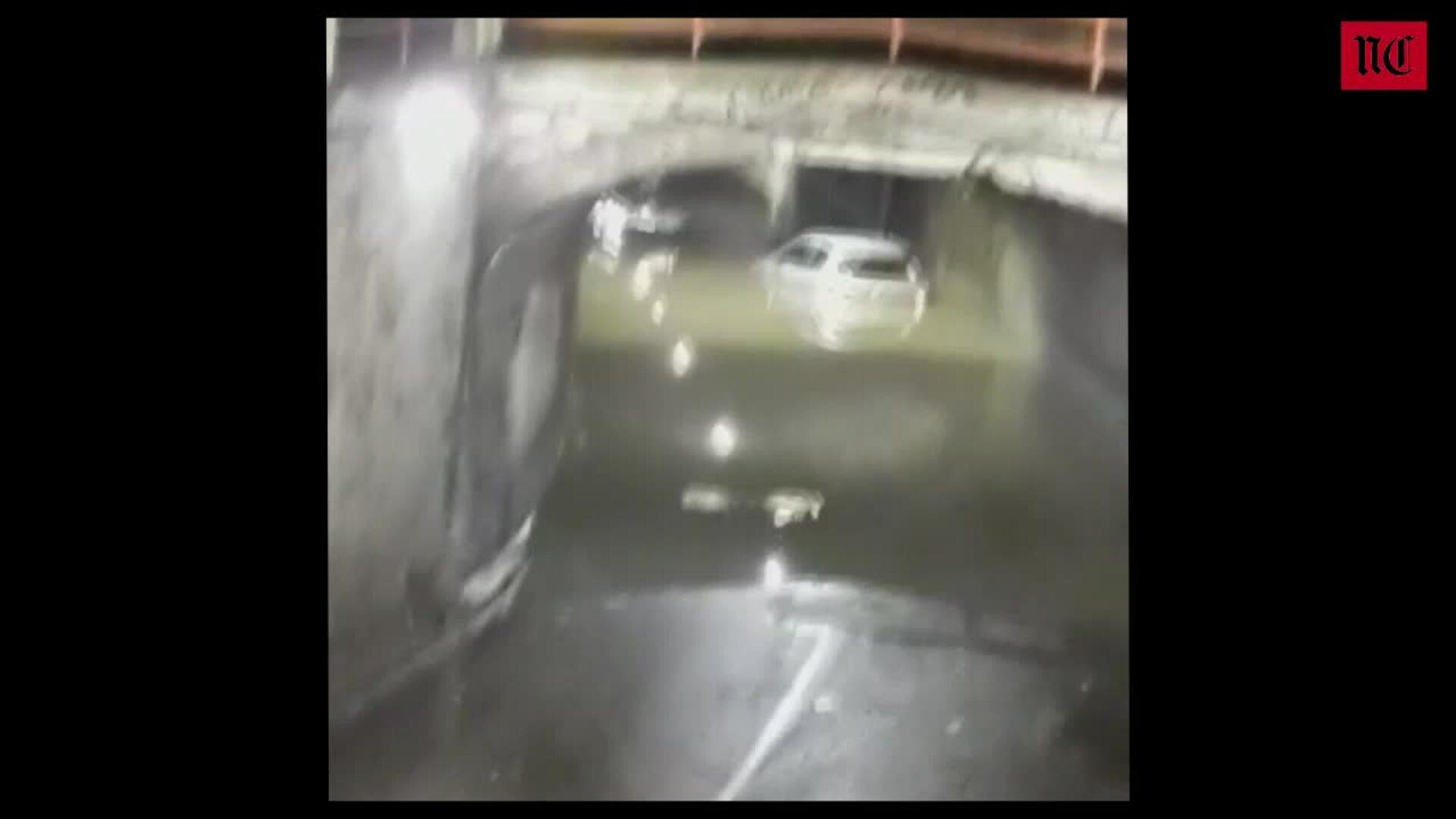 Un vehículo se queda atrapado en el túnel de Labradores