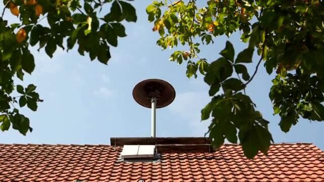Sirene auf dem Dach der alten Schule in Groß Ellershausen