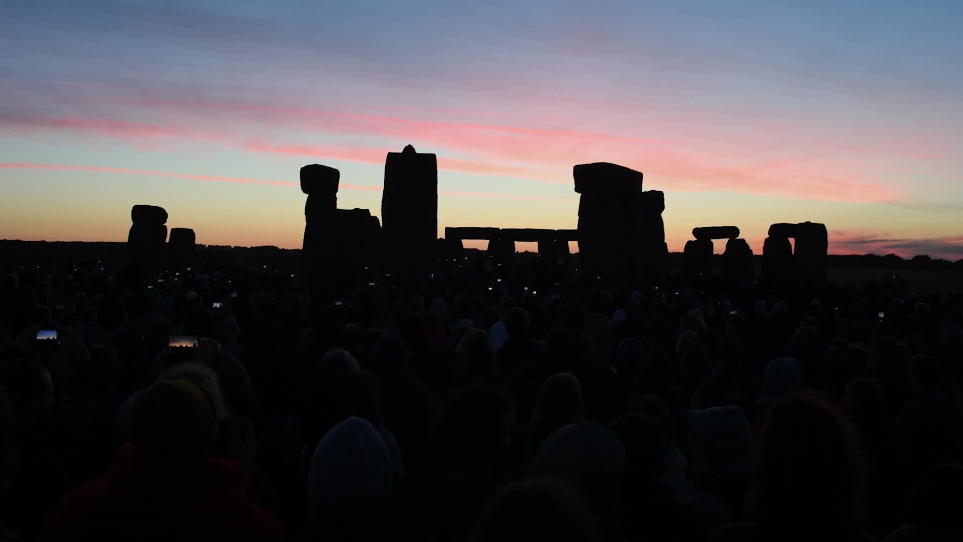 What is summer solstice 2019 UK? What happens at Stonehenge on the longest day of the year? Midsummer explained