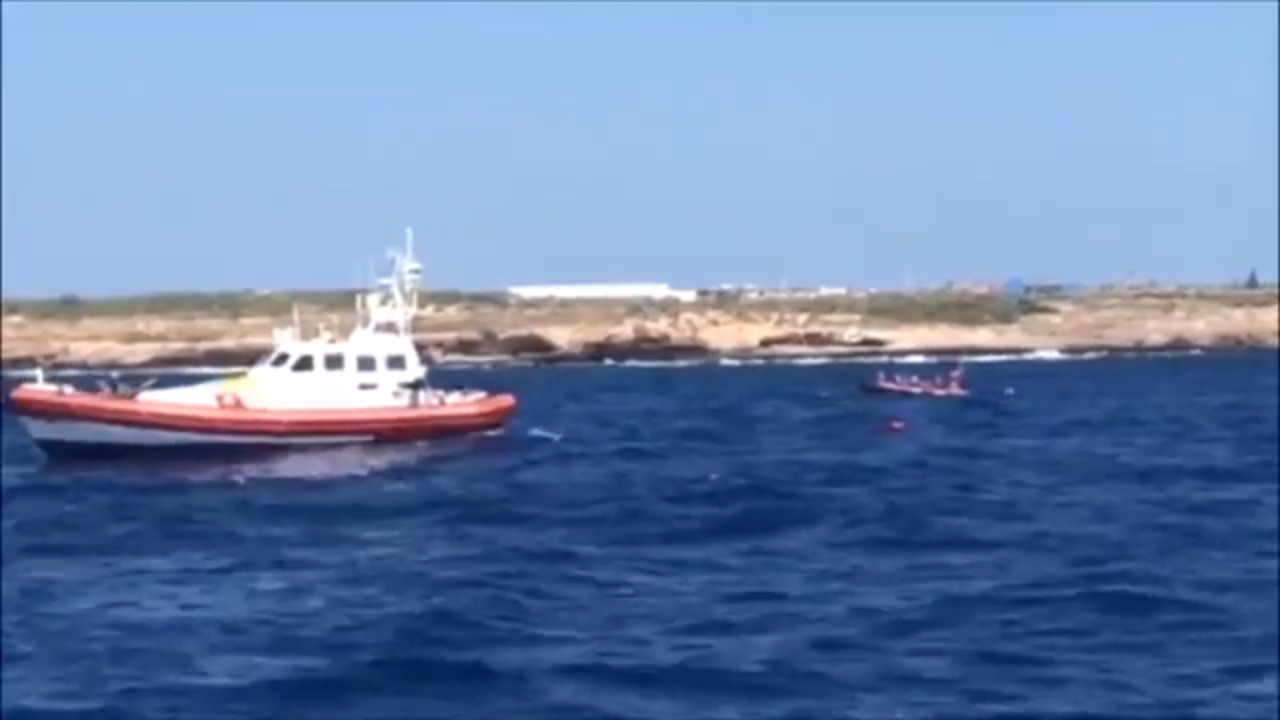 More migrants jump into sea trying to reach Italy as rescue ship stand-off enters 19th day