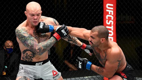 Full fight - Anthony Smith vs Devin Clark | BT Sport