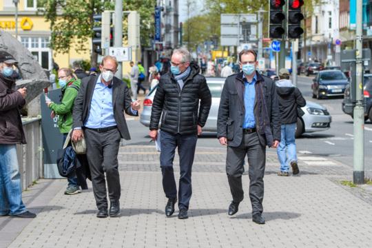 OB-Wahl Neumünster: Streit-Spaziergang im Video