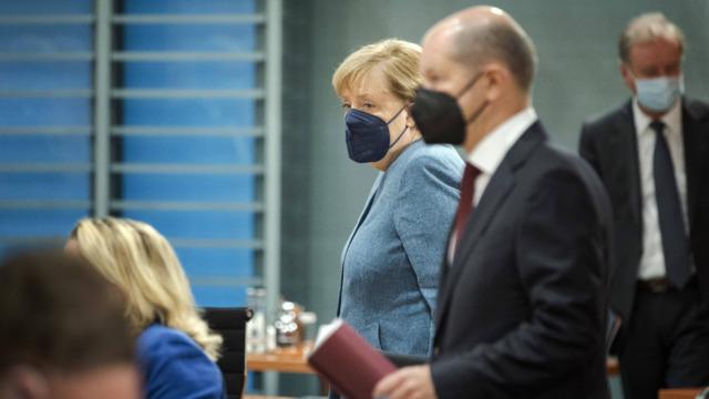 Ein letztes Mal vor Bundestagswahl: Kabinett der GroKo tritt zusammen