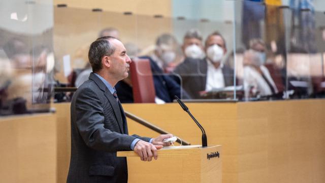 Veröffentlichung von Bundestagswahl-Prognosen: Aiwanger entschuldigt sich