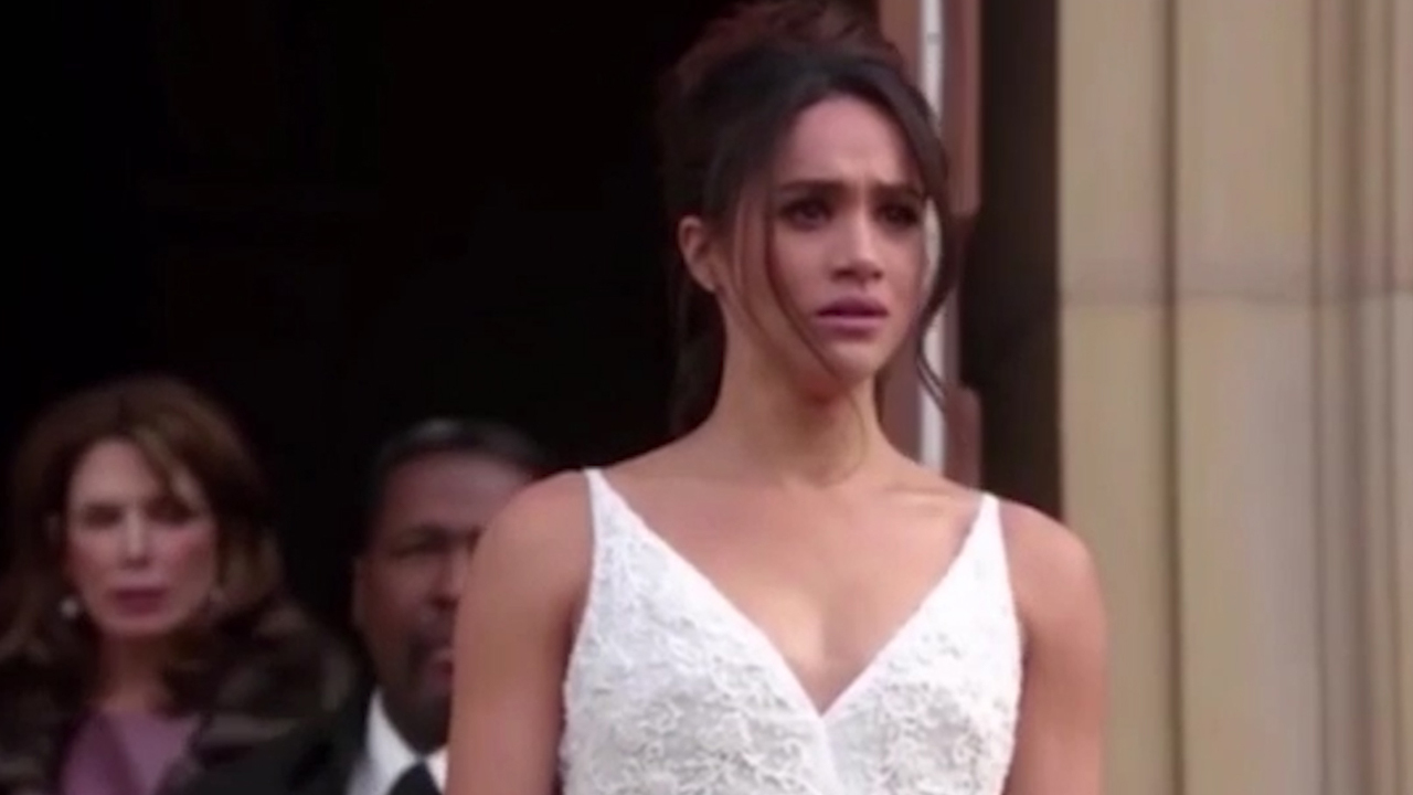 Meghan Markle Wears A Wedding Dress As It S Revealed She And Suits Co Star Patrick J Adams Are Leaving The Show At End Of Series Seven