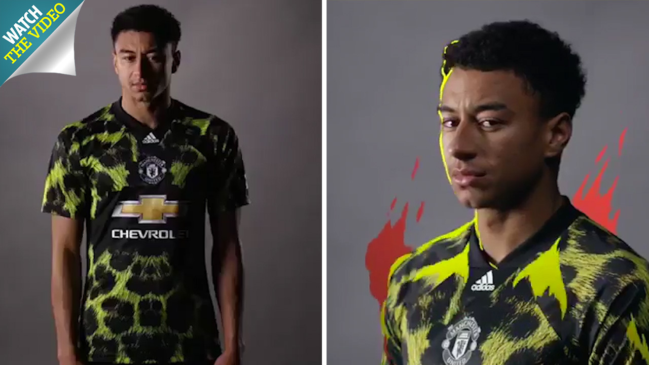 low priced f706e 613ca Man United leopard-print kit for FIFA 19 modelled by Jesse ...