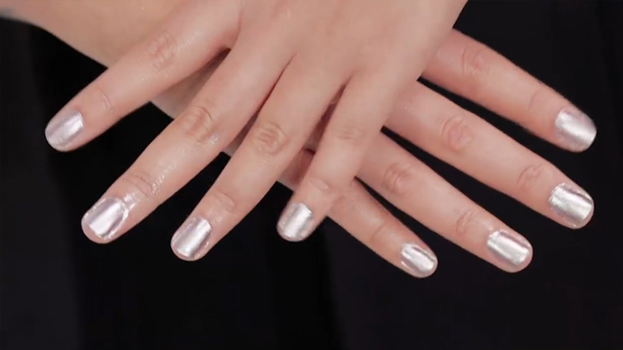 No more smudges... this easy tip will help your nail polish dry ...