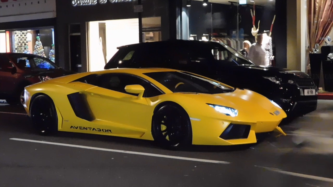 Wealthy Arab Playboys Left Red Faced After Snazzy Lamborghini Breaks