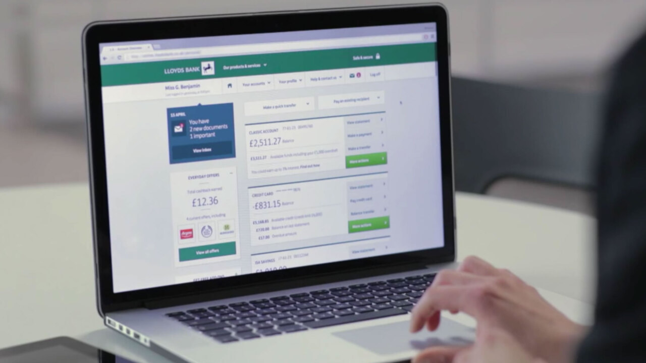 Lloyds and Halifax app and internet banking went down as