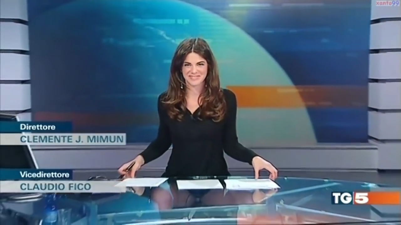 young-porn-sexy-news-broadcasters-cameltoe-black-men