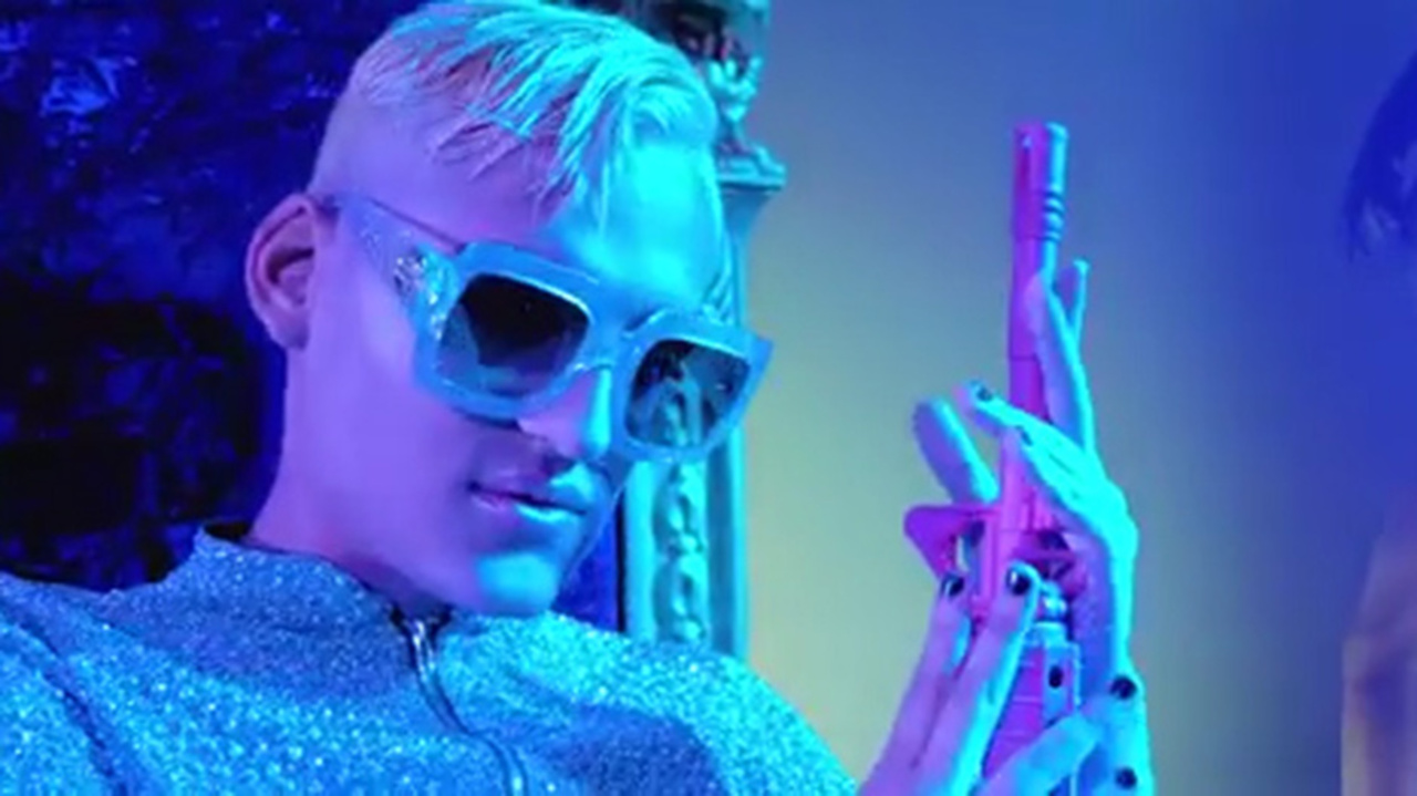 d428a2e04762 Kevin Fret - Soy Asi music video