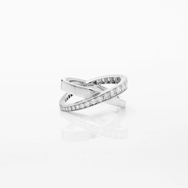 Kiss钻石戒指