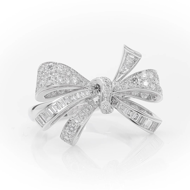 Tilda's Bow Classic Diamond Ring