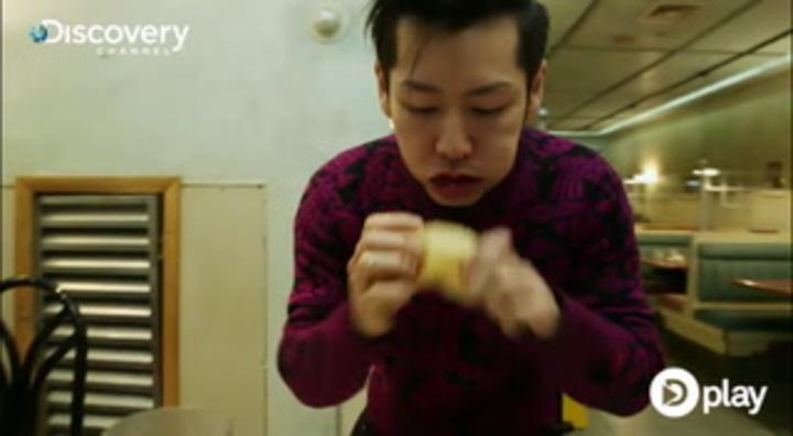 Helt vildt: Mand spiser 12 hotdogs på 30 sekunder