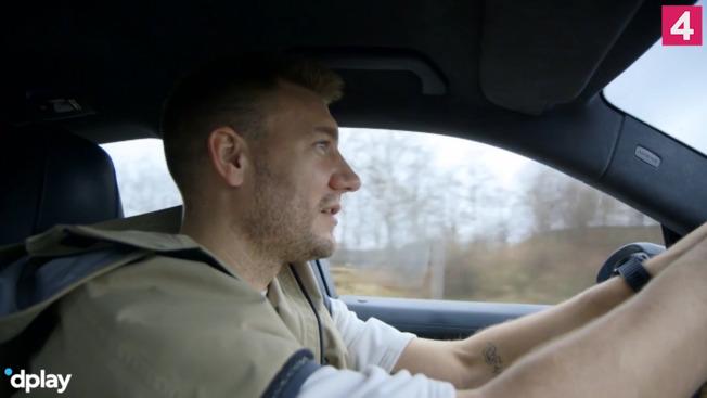 Bendtner kedede sig: Købte en Ferrari