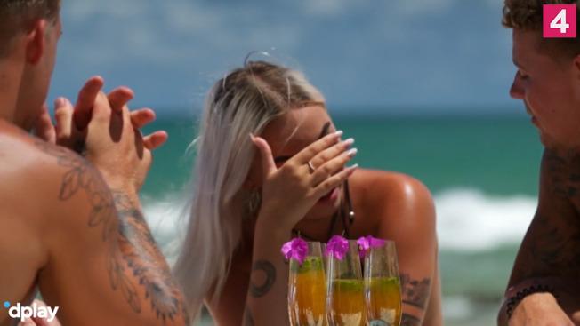Justina bryder helt sammen over ny ex