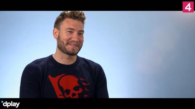Bendtner var snublende tæt på penistatovering