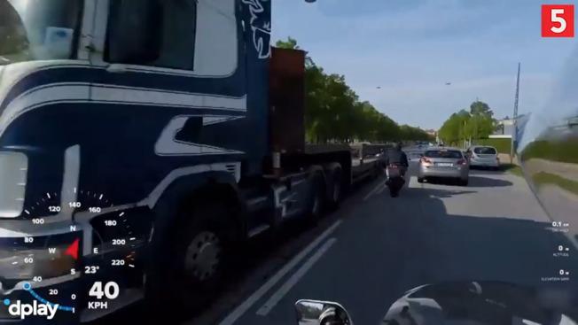 Vanvidskørsel midt i København: Politiet eftersætter motorcyklist