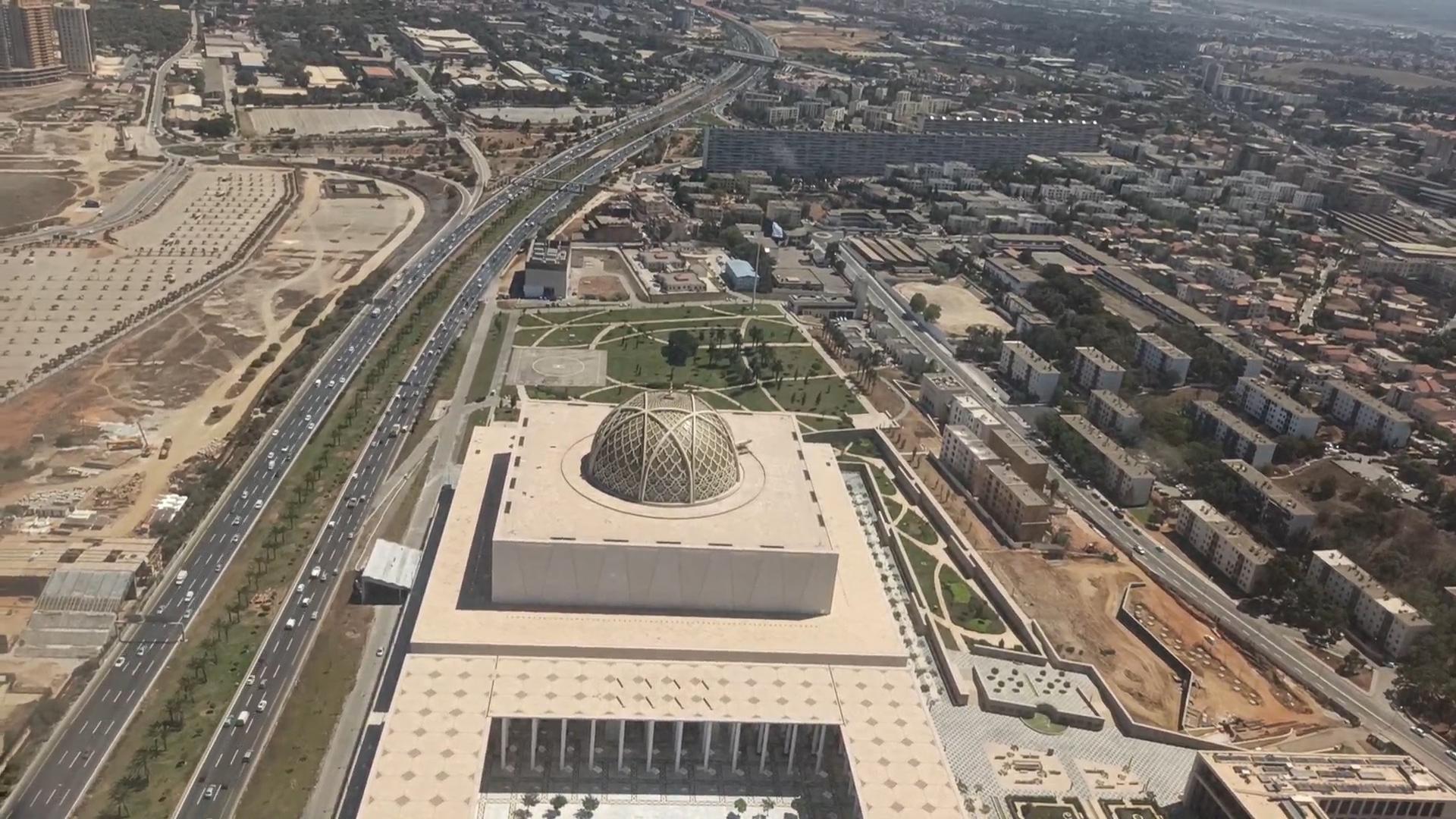 في ذكرى المولد النبوي وإساءة فرنسا للنبي.. الجزائر تفتتح ثالث أكبر جامع في  العالم