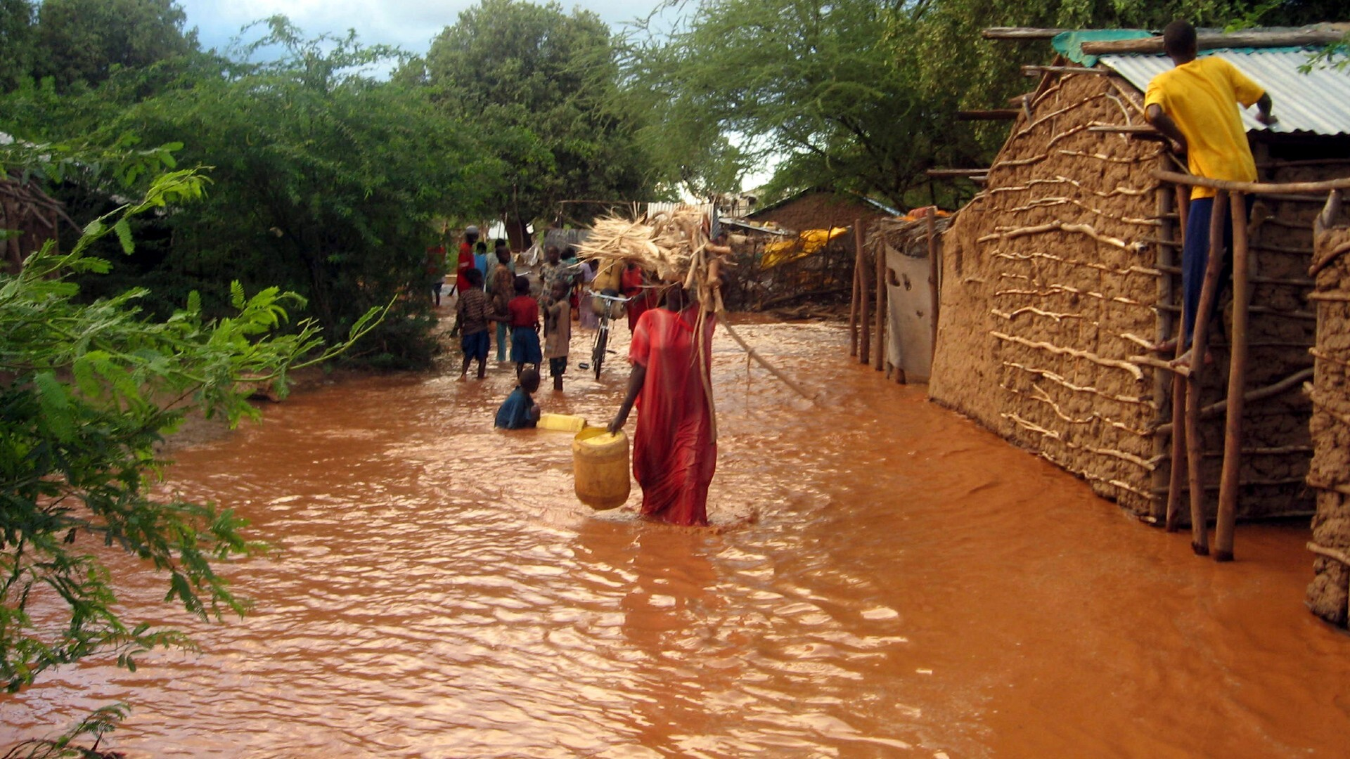 Kenya floods: More rain expected in region