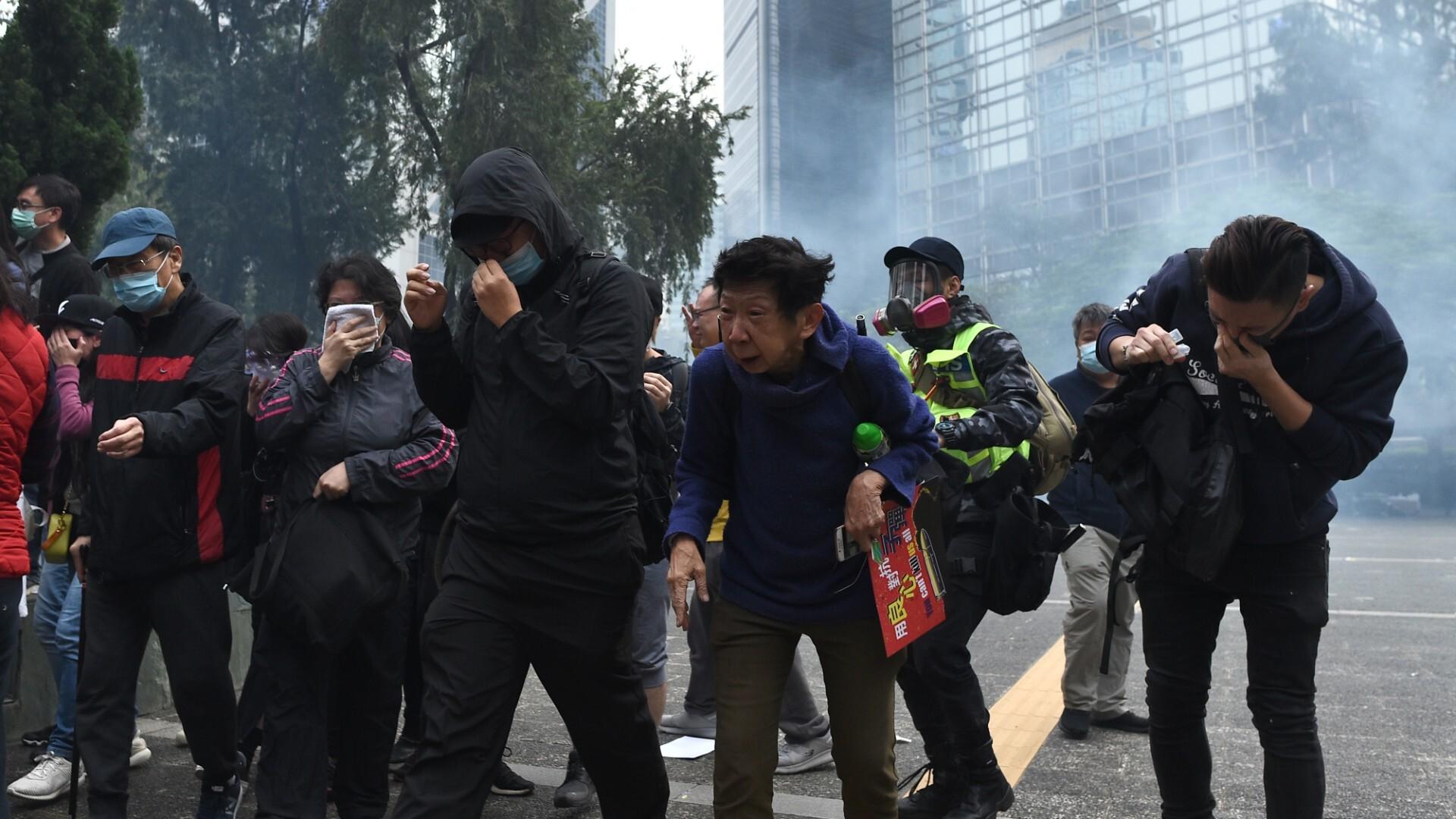 Hong Kong protests: Several arrested as demonstrators defy ban