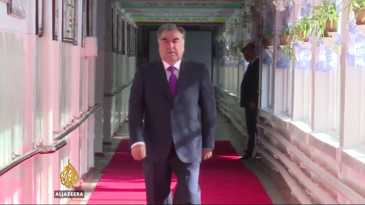 Tajiks vote on allowing president to rule for life