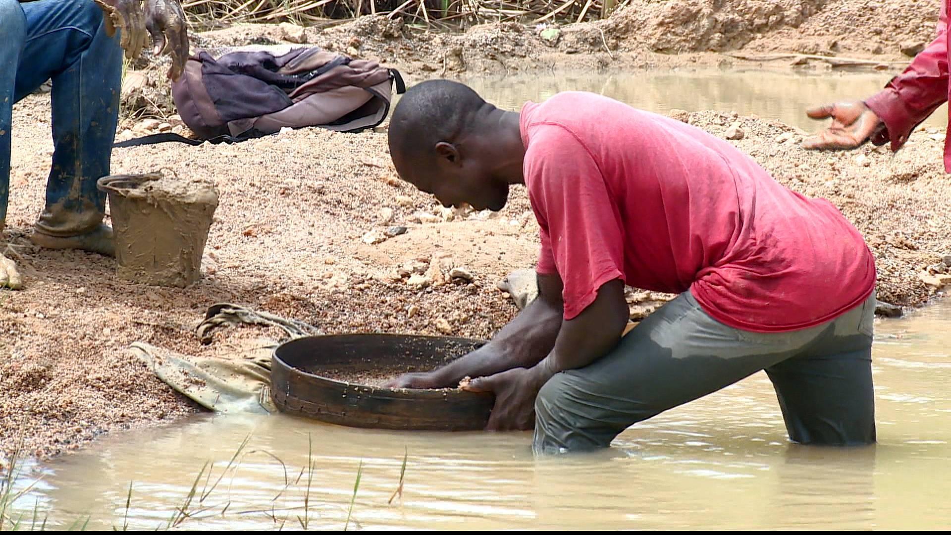 Sierra Leone diamond mine: Legal action over land grab