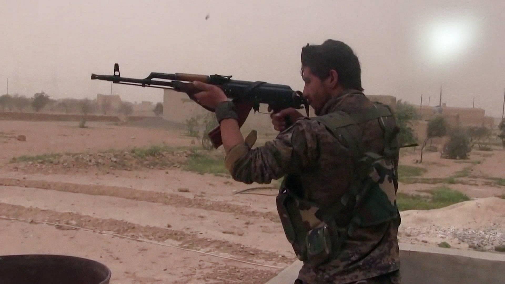 Turkey bolsters Syria border as US force plan slammed