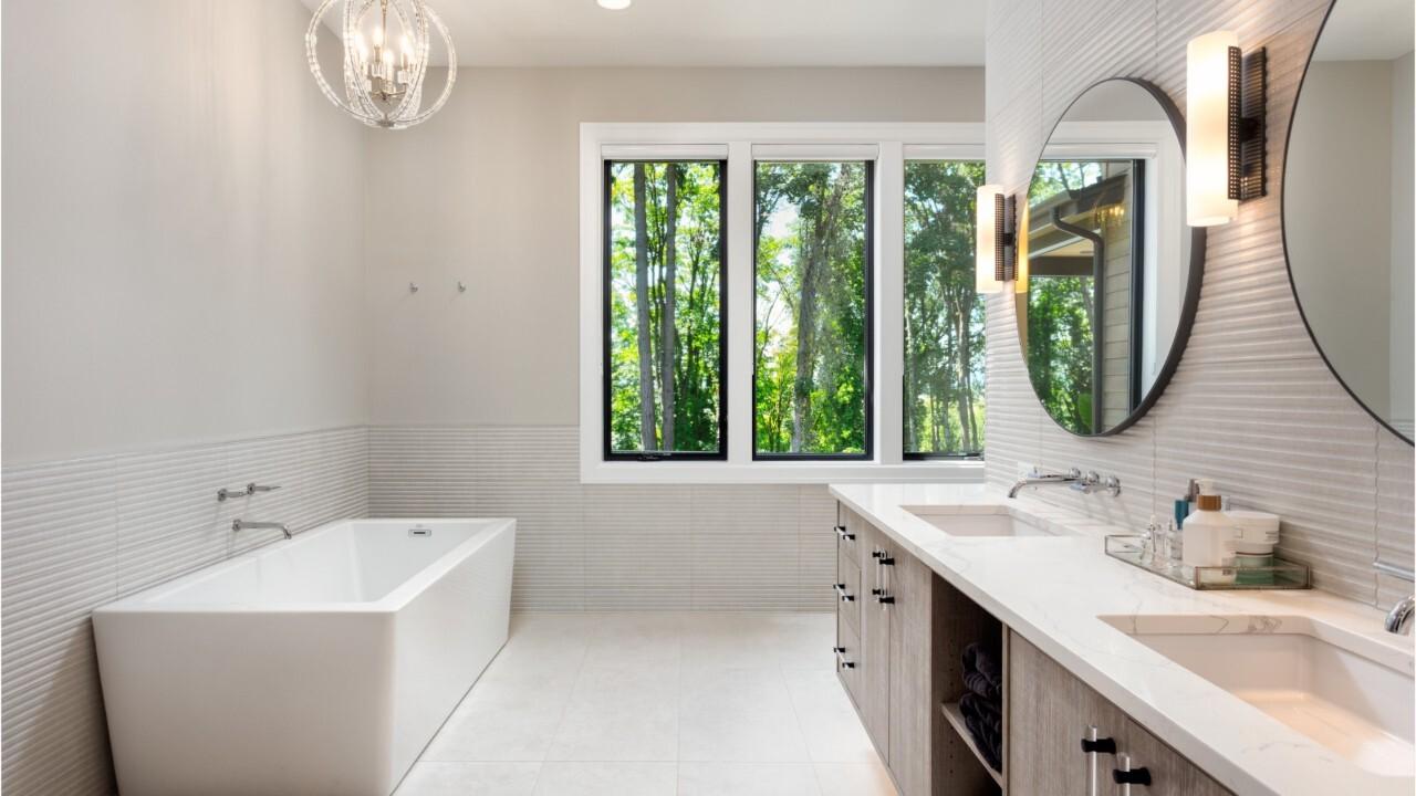 Retraités, bénéficierez-vous de cette nouvelle aide pour rénover votre  salle de bain ?