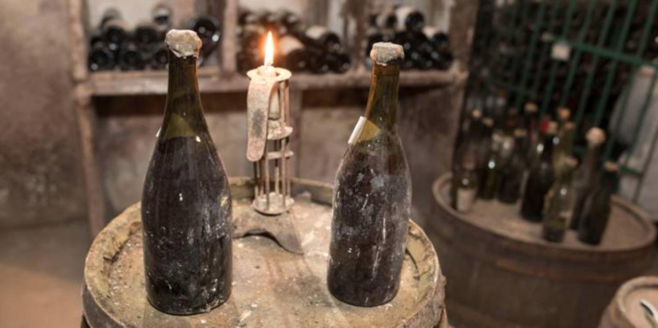 Enchere Record Pour Les Plus Vieilles Bouteilles De Vin Du Monde