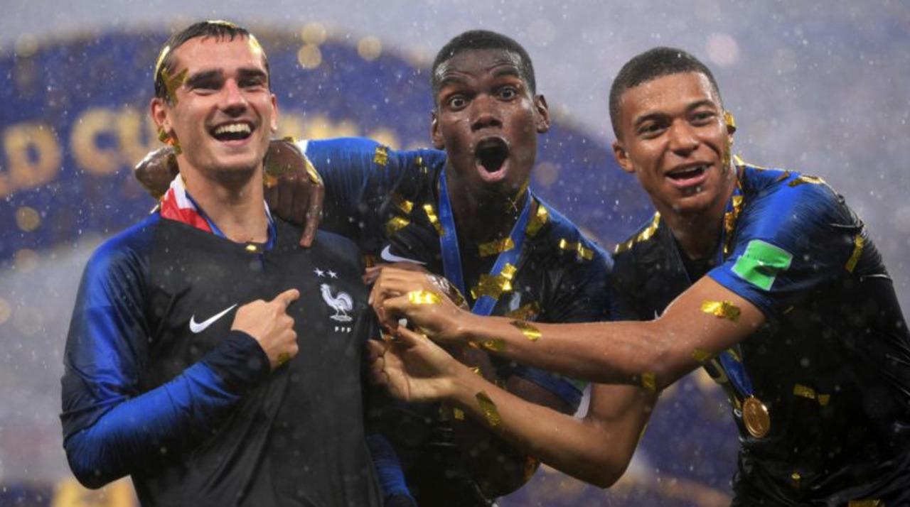 Maillot 2 Etoiles Nike De L Equipe De France Les Premiers