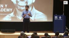 Salman Khan, un profesor con 70 millones de alumnos en todo el mundo