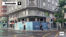 Desalojados los vecinos del edificio número 13 de la calle Isabel II por riesgo de derrumbe