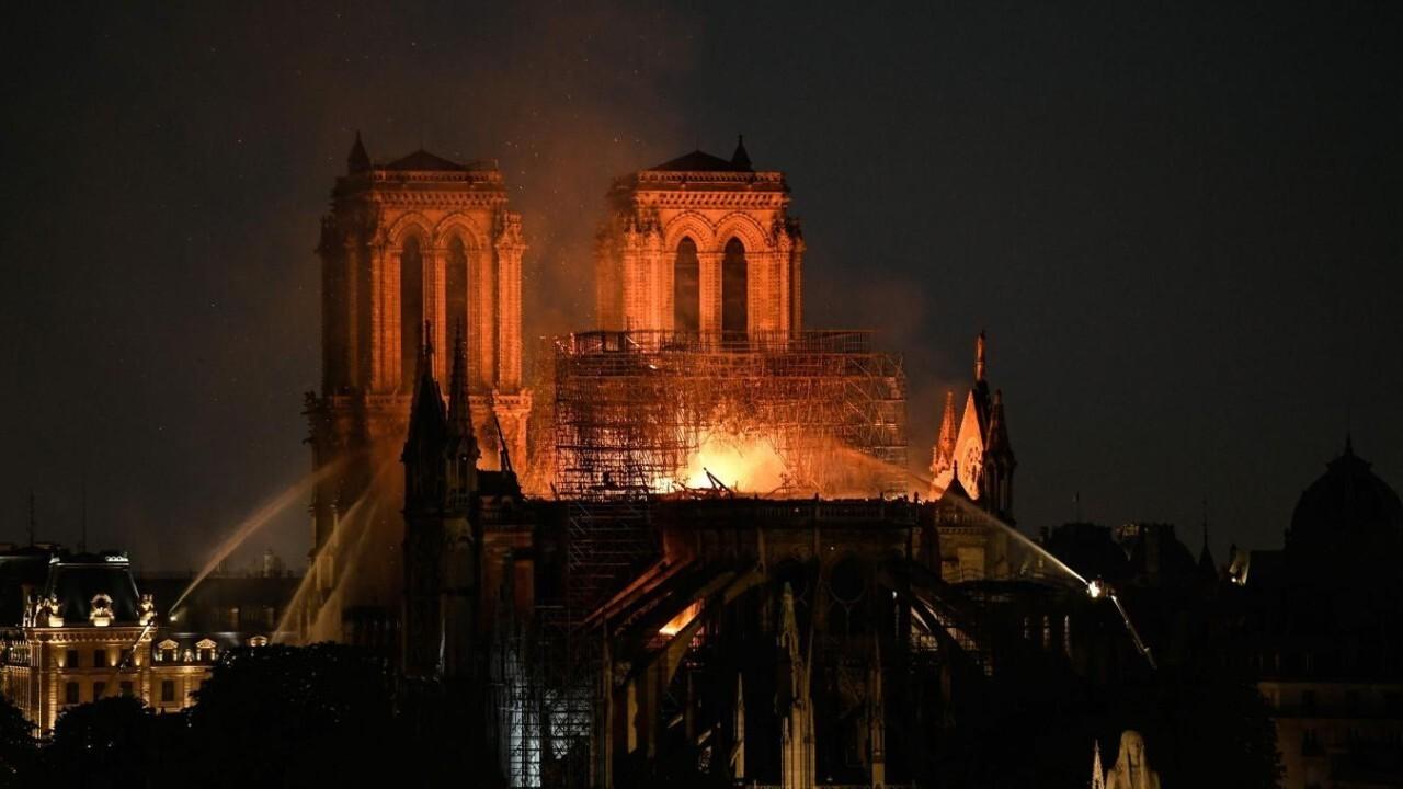 """Résultat de recherche d'images pour """"notre dame vue du ciel après l incendie"""""""